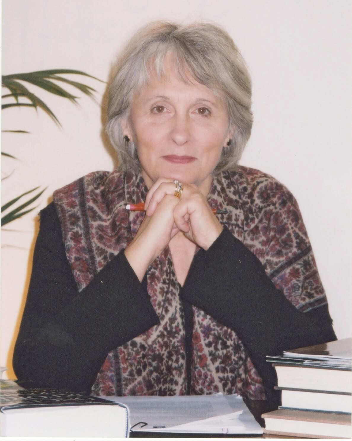 Lesley Ely