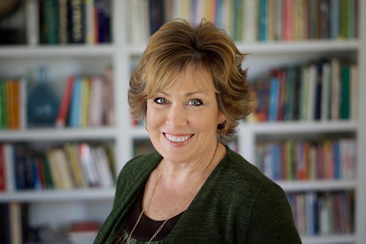 Lezlie Evans